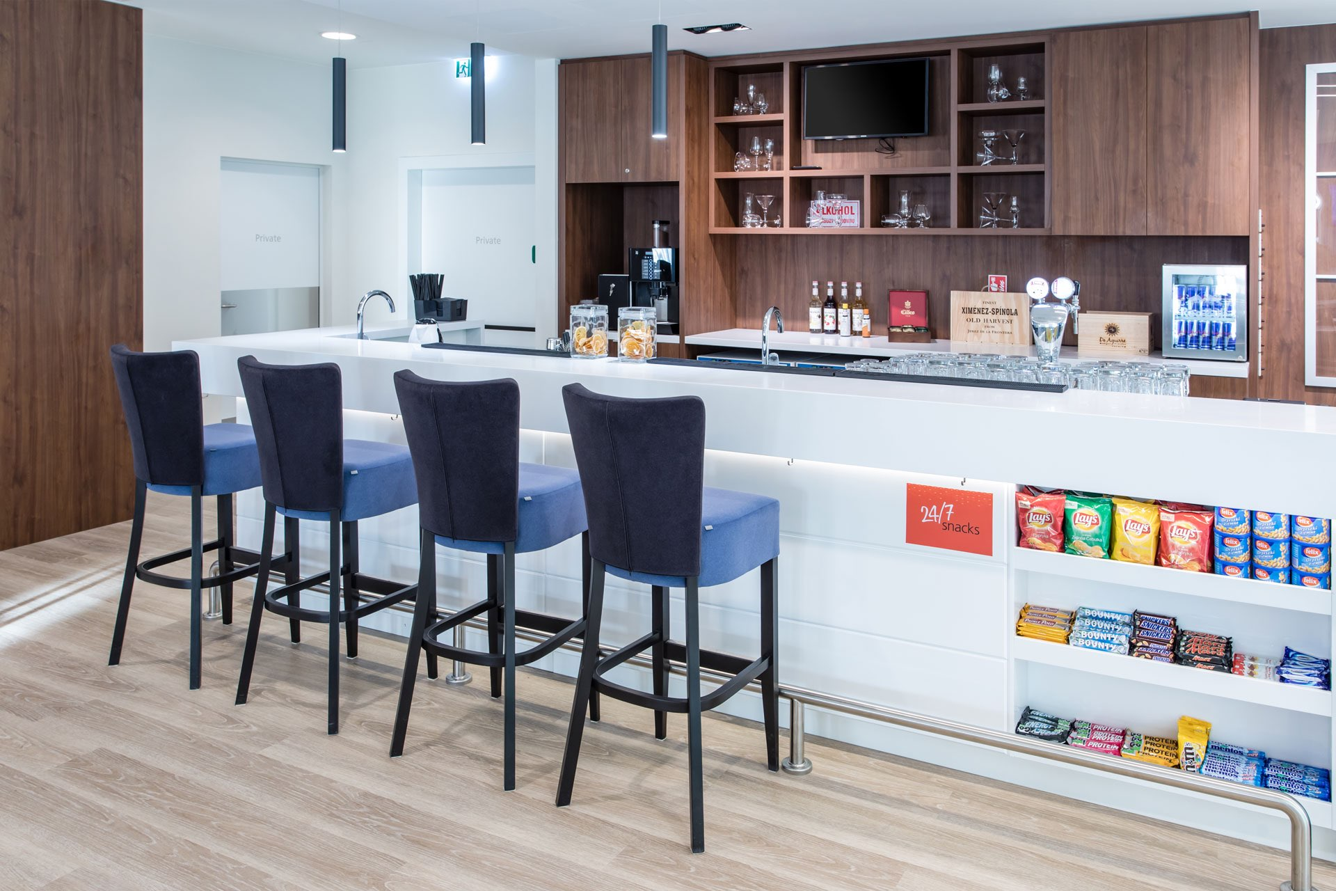Hampton-by-Hilton-Gdansk-Bar